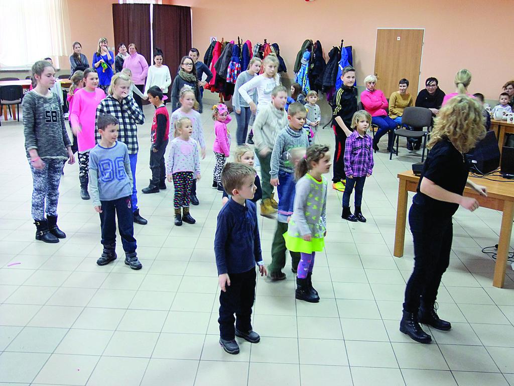 W Skoroszowie frekwencja była imponująca - blisko 40 dzieci!.jpeg