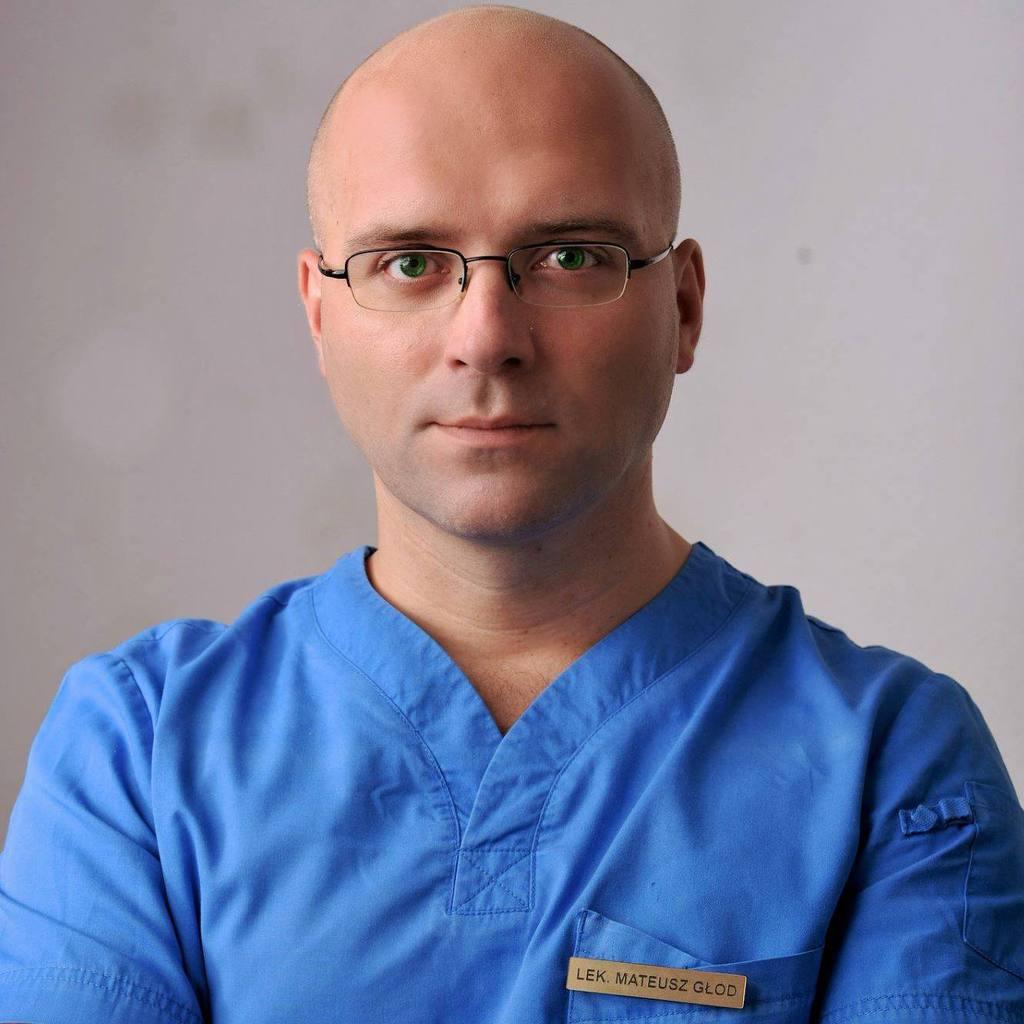 dr Mateusz Głód.jpeg