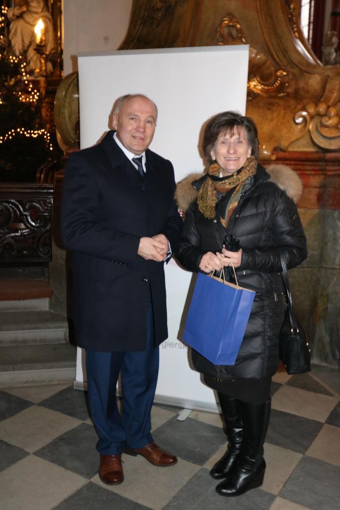 Burmistrz Marek Długozima z konsul generalną Węgier Adrienne Körmendy.