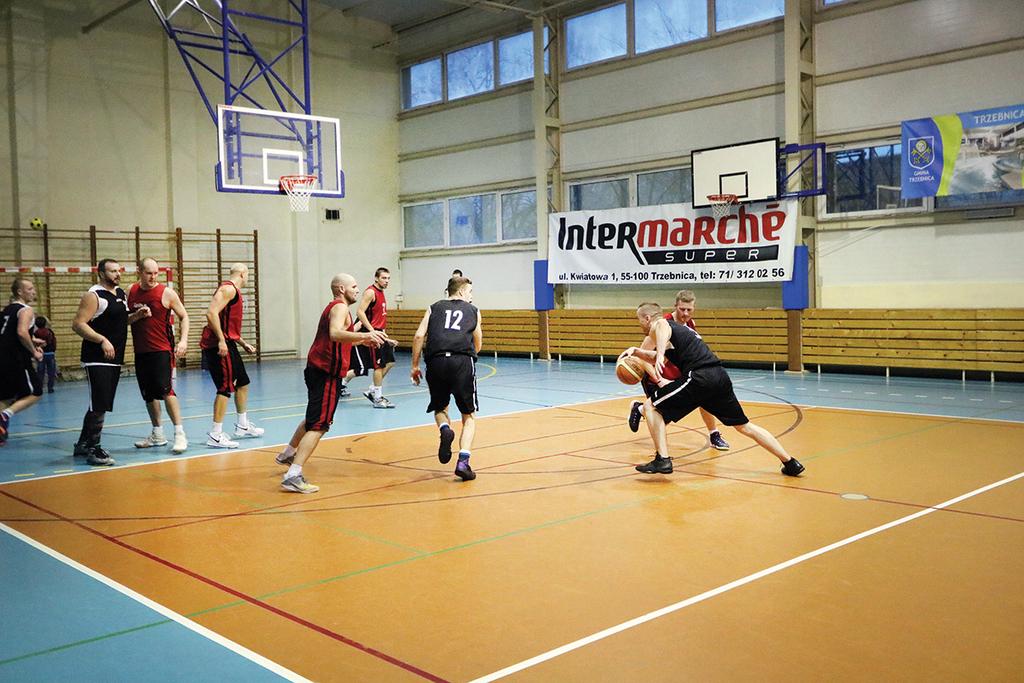 W zawodach wzięły udział cztery drużyny z terenu gminy: Robot Trzebnica, DiTRoit Flinstons, Promilki Trzebnica oraz Zadymki Trzebnica.