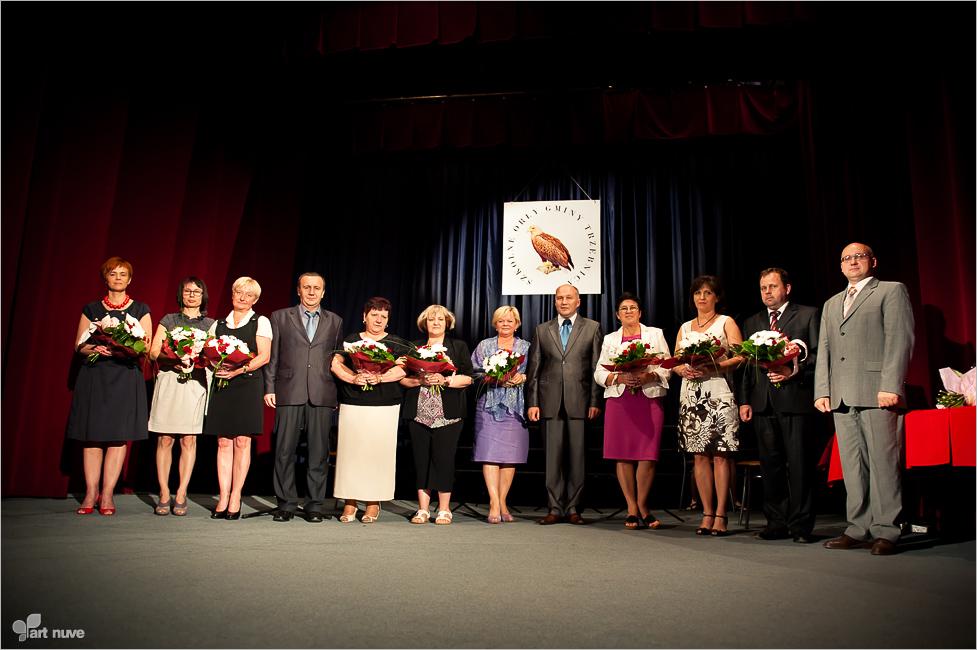 Dyrektorzy szkół nagrodzeni za wspieranie zdolnych uczniów.jpeg