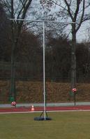 Na stadionie zaprezentowano nowy sprzęt treningowy zakupiony przez gminę
