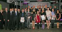 Wspólne zdjęcie laureatów tegorocznej edycji Balu Sportowca organizowanego przez Słowo Sportowe