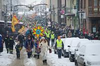 Na czele trzebnickiego Orszaku Trzech Króli z Gwiazdą Betlejemską szła Natalia Krawczyńska – zwyciężczyni konkursu na najładniejszą gwiazdę.