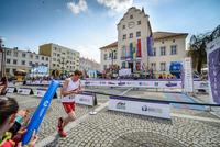 Sztafeta – kobieta, mężczyzna, mężczyzna, kobieta – miała do pokonania dystans 4 km.