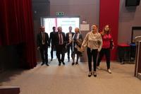 Trzebnicę odwiedziła Dorota Piotrowska Dyrektor Artystyczny NYJM, którą Burmistrz Marek Długozima oprowadził po wnętrzach Gminnego Centrum Kultury, zwracając szczególną uwagę na nowoczesne rozwiązania sceniczno-dźwiękowe.