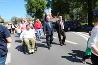 Celem marszu było przybliżenie lokalnej społeczności problemów z jakimi na co dzień borykają się osoby niepełnosprawne i ich bliscy.