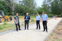 Powstające ciągi komunikacyjne, to kolejna inwestycja w ostatnim czasie, którą Gmina Trzebnica przeprowadziła w Cerekwicy.
