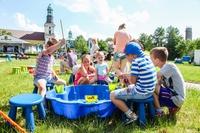 Tego dnia plac pielgrzymkowy, stał się głównym centrum rozrywki dla najmłodszych mieszkańców.