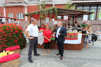Stoiska z lokalnymi produktami zaprezentowały sołectwa: Szczytkowice i Domanowice.