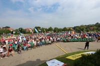 Radosny śpiew, kolorowe koszulki, flagi narodowe oraz symbole ŚDM - wszystko to miało miejsce na Placu Pielgrzymkowym w Trzebnicy.