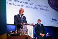 Wicepremier Jarosław Gowin pogratulował wyróżnionym i wyraził słowa uznania dla tego wszystkiego, co dzieje się w Trzebnicy pod skrzydłami burmistrza Marka Długozimy.