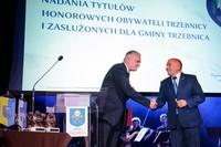 Burmistrz dziękuje premierowi  za przyjęcie zaproszenia do Trzebnicy oraz na Galę. - To dla mnie zaszczyt i wyróżnienie gościć tak wspaniałą i najznamienitszą osobistość - powiedział burmistrz Marek Długozima.