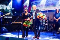 Za wspaniały koncert wokalistce Izabeli Skrybant-Dziewiątkowskiej podziękował burmistrz Marek Długozima.