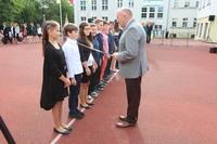 Aktu pasowania na ucznia dokonał burmistrz Marek Długozima.