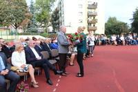 Burmistrzowi Markowi Długozimie za wsparcie i zaangażowanie w życie szkoły podziękowała dyrektor Elżbieta Nowak.