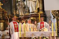 Sobotnie poranne nabożeństwo koncelebrował J. E. Ks. Biskup Edward Janiak - Biskup Kaliski.