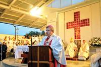 -Celem spotkania wokół ołtarza eucharystycznego jest wejście we wspólnotę Trójcy Świętej – zaznaczył przewodniczący zgromadzeniu metropolita wrocławski - abp Józef Kupny.