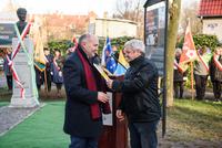 Specjalne podziękowania trafiły również do rąk Marka Krzaka, który zadbał o teren wokół monumentu.