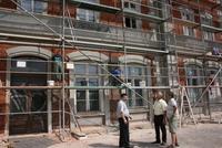 Archiwalne zdjęcie z remontu stacji kolejowej przeprowadzonego przez Gminę Trzebnica.