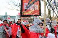 Przygotowany przez Zespół Szkół w Ujeźdźcu Wielkim orszak czerwony, symbolizował kraje europejskie.