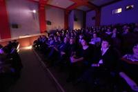 Przedstawienie bardzo się wszystkim podobało.
