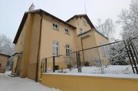 """Dzienny Dom Pobytu dla Osób Starszych """"Senior Wigor"""" mieści się w budynku przy ul. Ks. Bochenka 12 w Trzebnicy."""