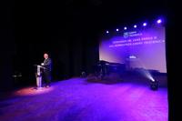 Burmistrz Marek Długozima pogratulował tegorocznym stypendystom, a także ich rodzicom.