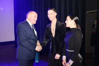 Burmistrz życzył tancerzom wielu sukcesów na światowych parkietach.