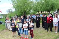 """Na otwarcie """"Junior i Senior w Małuszynie"""" przybyli m.in. mieszkańcy Małuszyna, siostry boromeuszki oraz zaproszeni goście."""