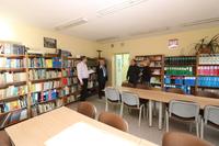 Galeria Wcześniej burmistrz Marek Długozima wizytował Gimnazjum nr 1 w celu omówienia zmian oraz prac remontowych, które są konieczne do przekształcenia placówki w nową szkołę Podstawową nr 1.