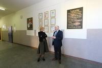 Wcześniej burmistrz Marek Długozima wizytował Gimnazjum nr 1 w celu omówienia zmian oraz prac remontowych, które są konieczne do przekształcenia placówki w nową szkołę Podstawową nr 1. Na zdj. wraz z dyrektor Elżbietą Nowak.