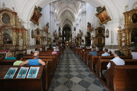 Galeria Trzebnica. Na skrzyżowaniu Świętych dróg